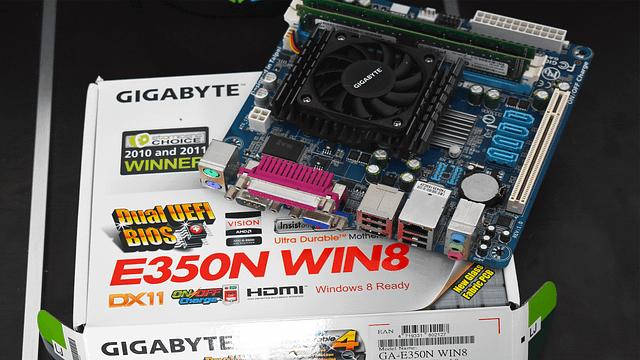 Gigabyte E350N Win8 Mini ITX Unboxing
